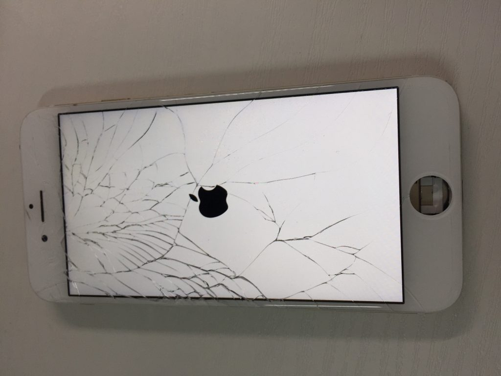 iPhone6 液晶割れ交換1