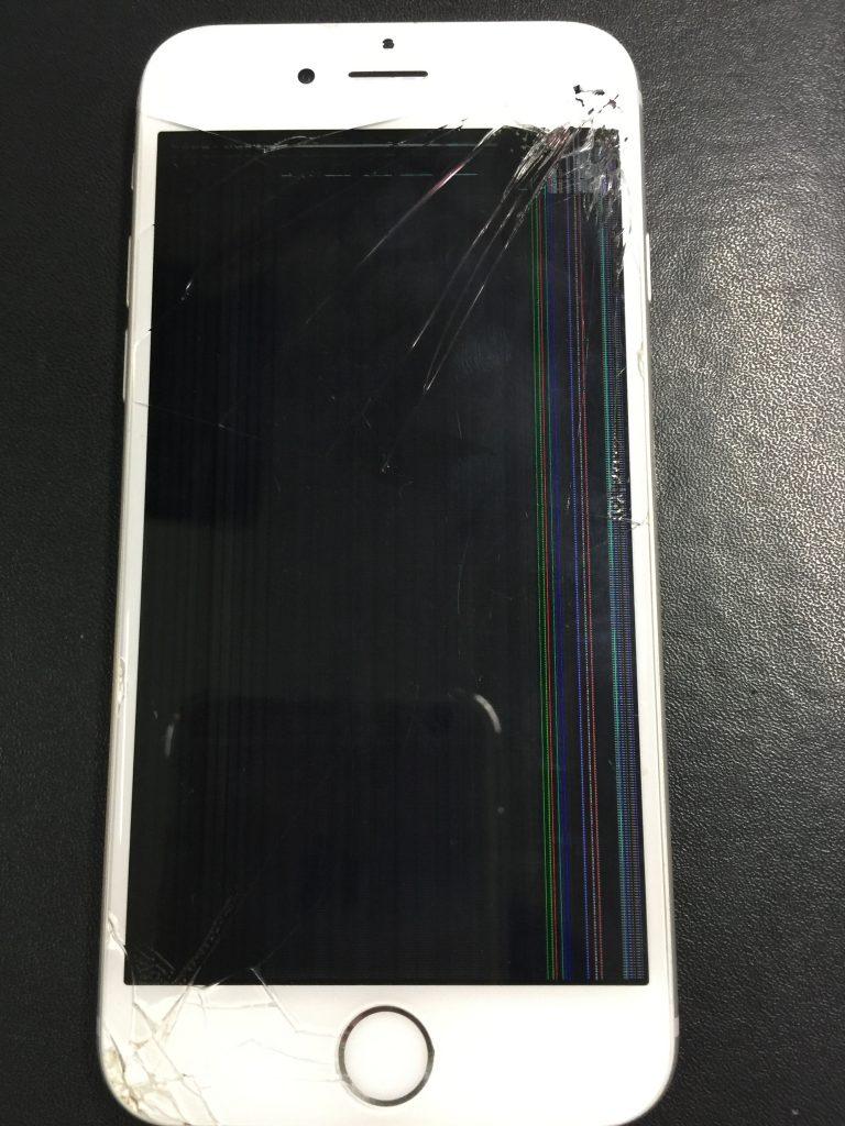 iPhone6 角から落ちて映らない液晶画面パネルを交換1