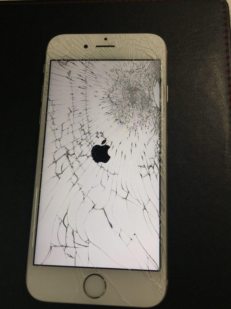 iPhone6s液晶画面 高品質新品パネルに交換。1