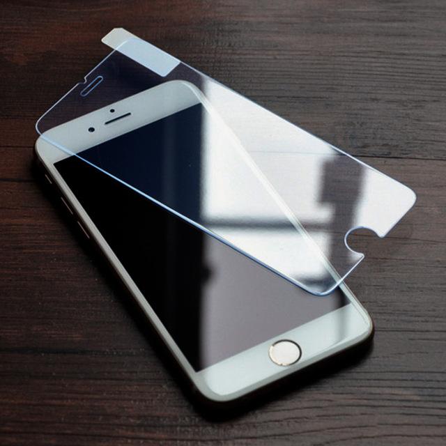 iPhoneスクリーンプロテクター