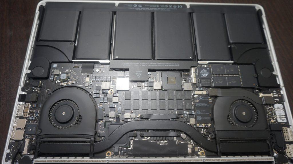 Macbook Pro 15インチ A1398 Retina 2012 バッテリー交換2