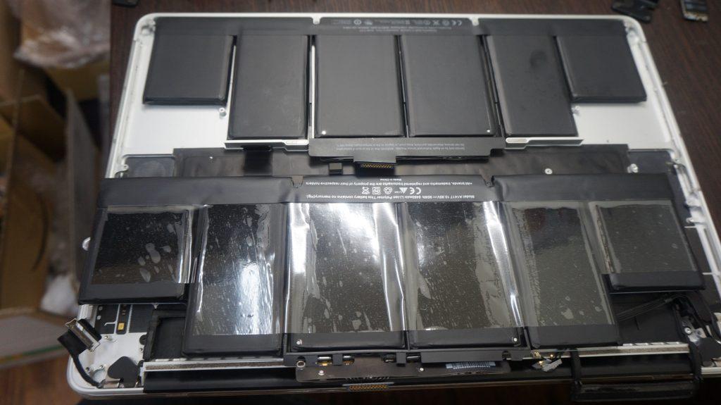 Macbook Pro 15インチ A1398 Retina 2012 バッテリー交換4