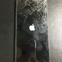 iPhone5s 角を落として液晶バリバリにつき新品に交換です!1