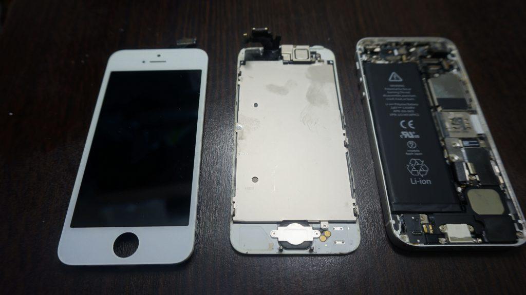 iPhone5 液晶画面がバリバリ他 色々おかしい→パネル交換4