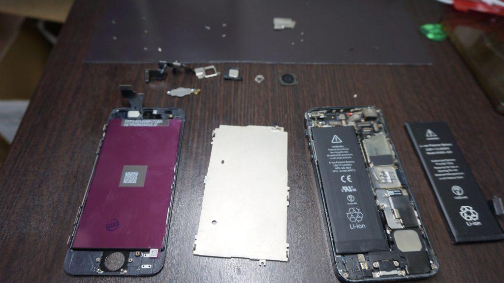 iPhone5 液晶画面パネルとバッテリーを同時交換しました4