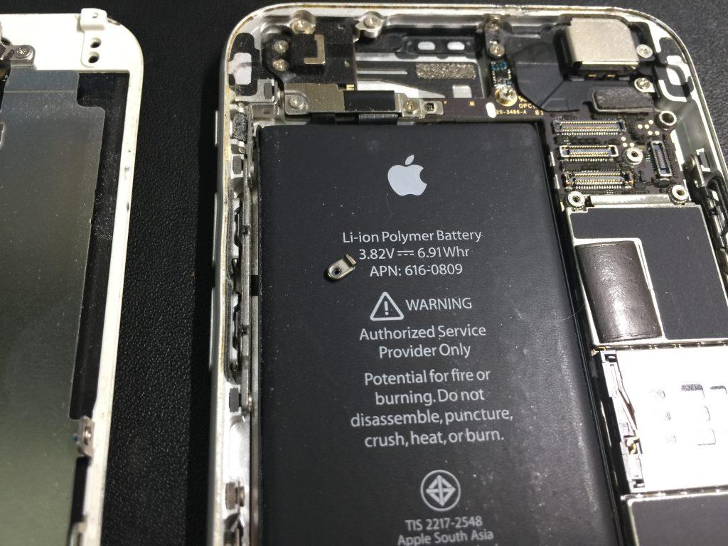 iPhone6 液晶画面とバッテリーを同時交換 フレーム修正等4