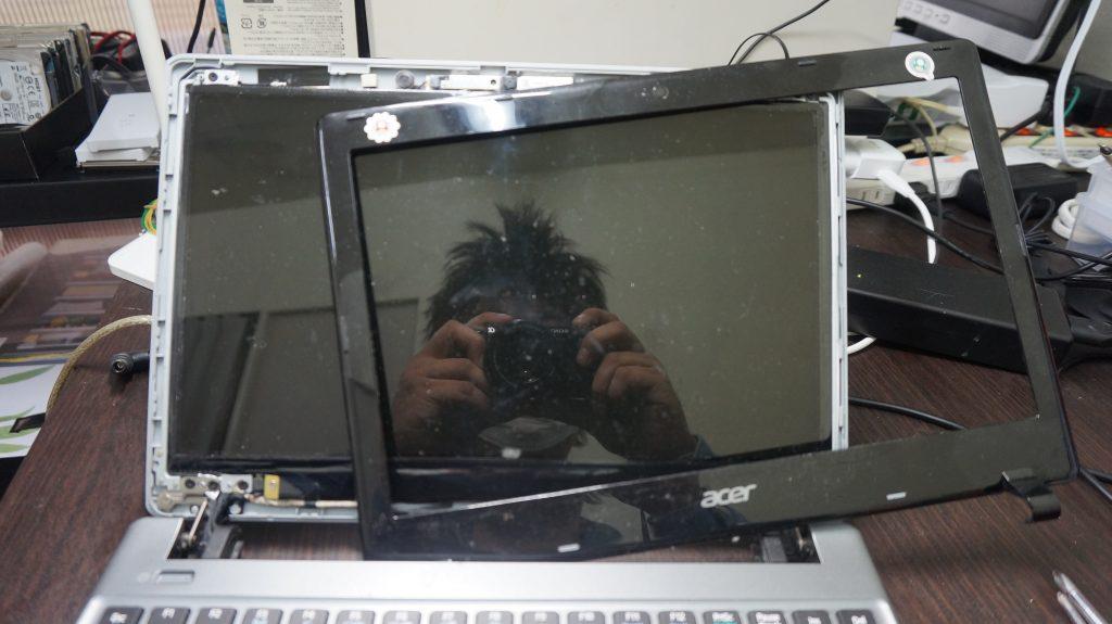 広島市液晶割れ修理 Acer ASPIRE V5-171 4