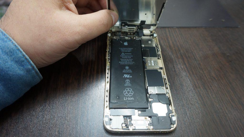 iPhone6 液晶パネル割れとフレーム修正2