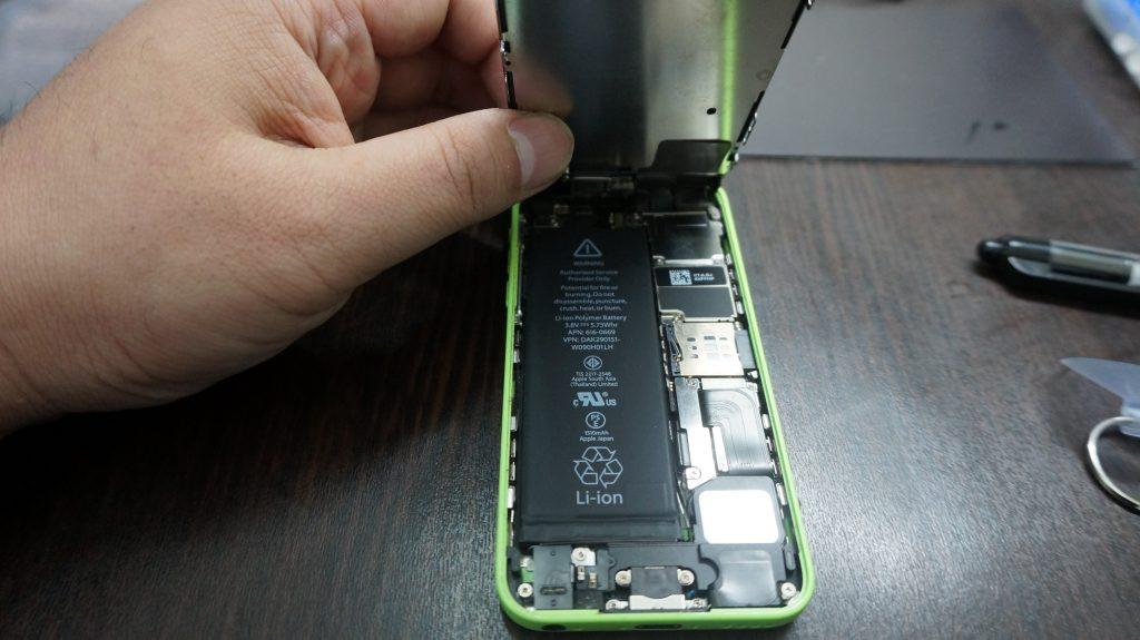 iPhone5c 液晶パネル交換2