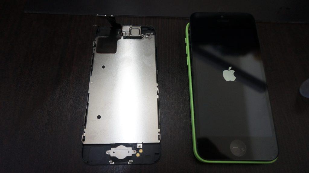 iPhone5c 液晶パネル交換3
