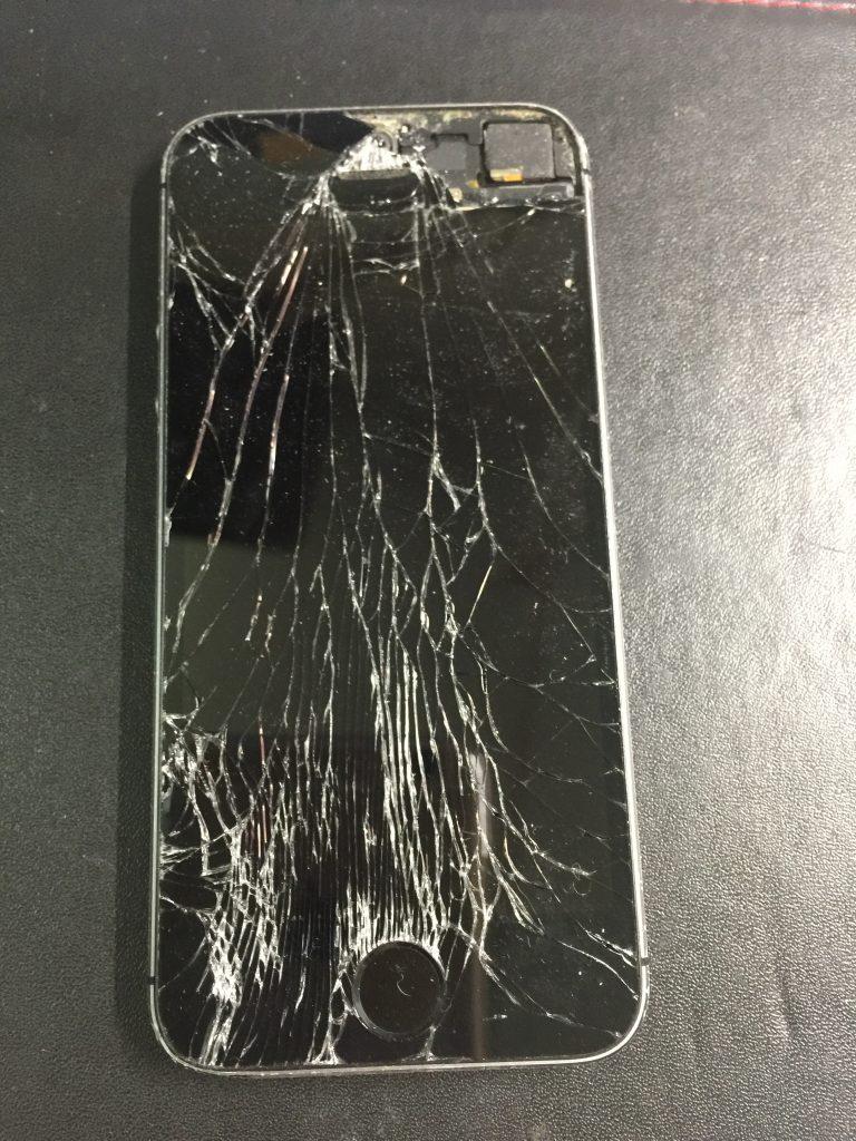 液晶交換バッテリー交換 iPhone5s 1