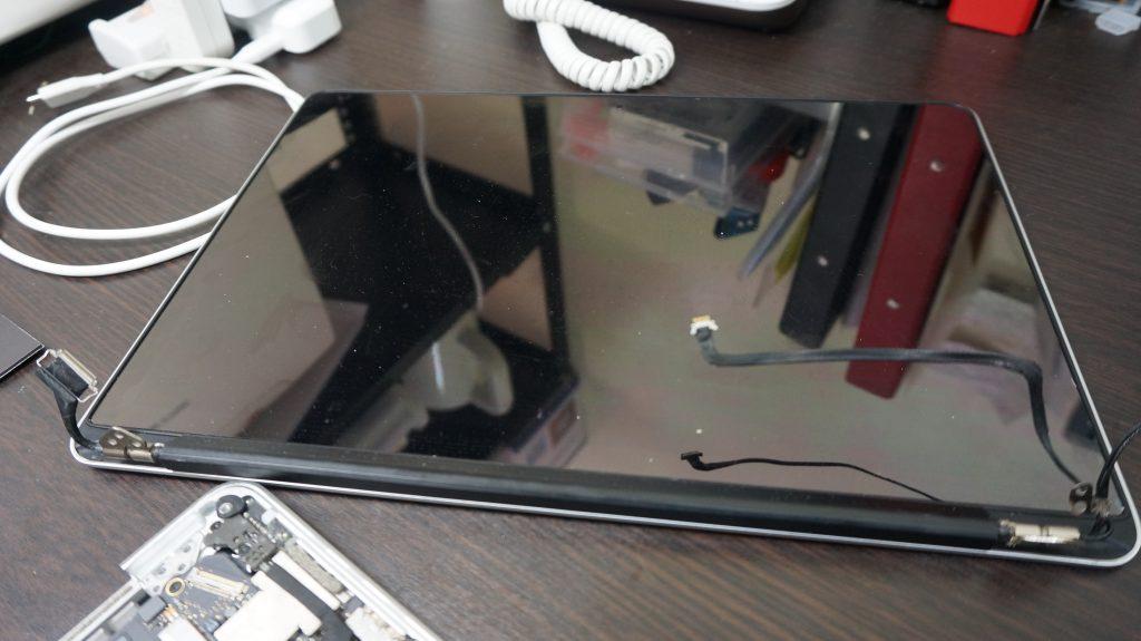液晶交換 Macbook Pro A1502 Retina 2013 4