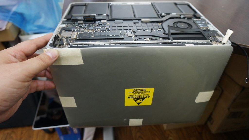 液晶交換 Macbook Pro A1502 Retina 2013 5
