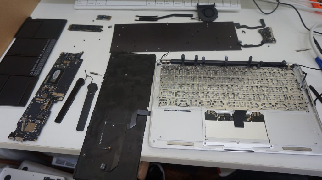 キーボード交換 Macbook Air A1465 2015 4