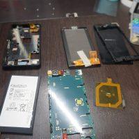 液晶・バッテリー・外装交換 Xperia Z3 Compact 4