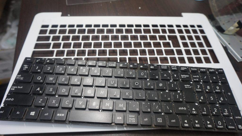 キーボード交換 ASUS X555L 4