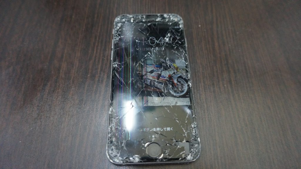 液晶割れバリバリ iPhone6s 1