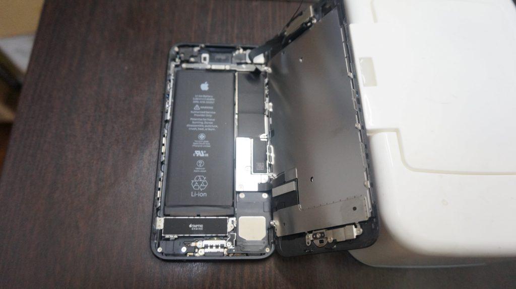 液晶交換が安い iPhone7 3