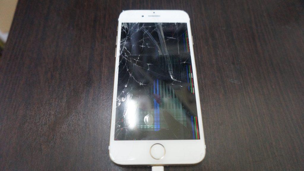 液晶割れを交換 iPhone7白 1