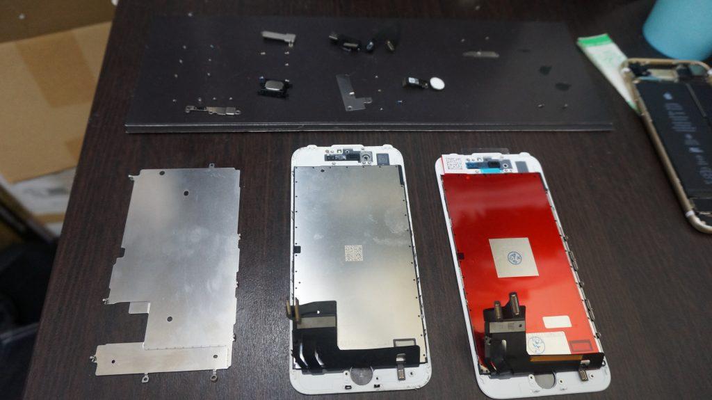 液晶割れを交換 iPhone7白 4
