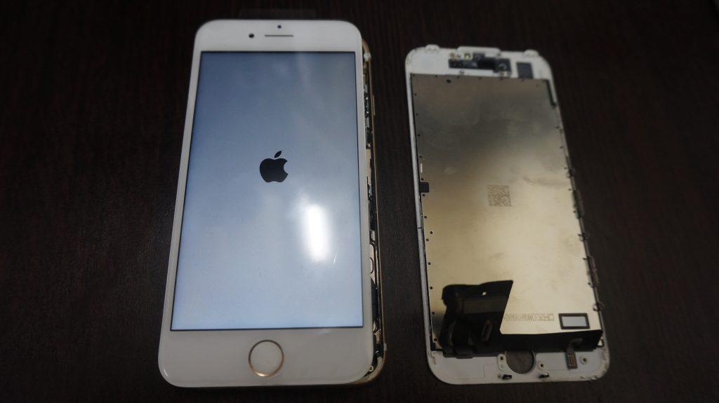 液晶割れを交換 iPhone7白 5