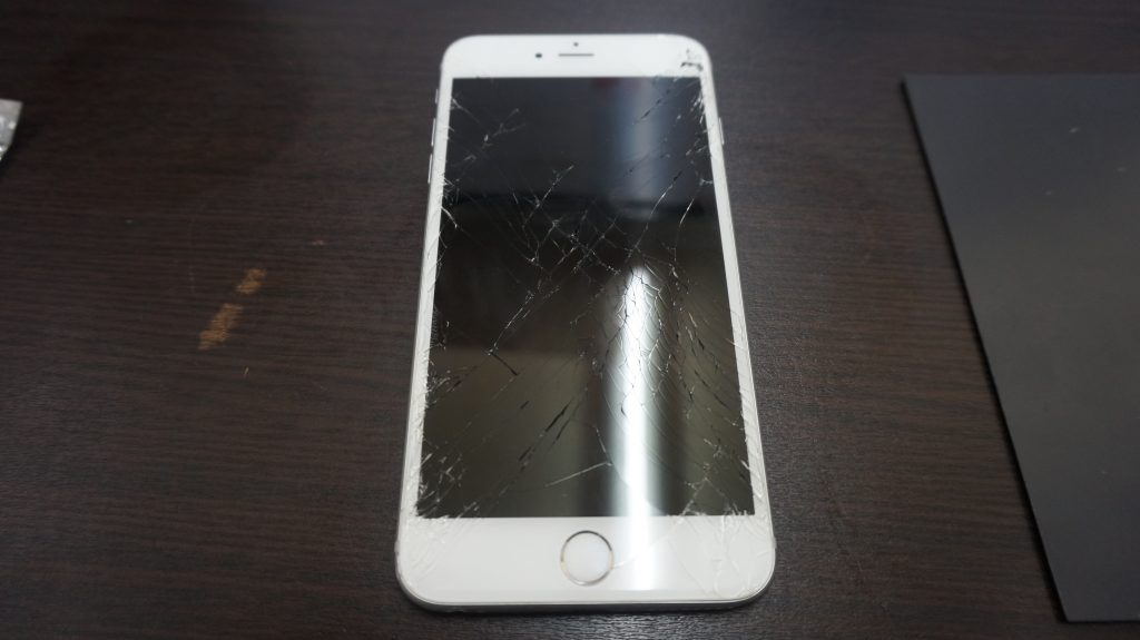 画面バリバリ交換 iPhone6s Plus 1