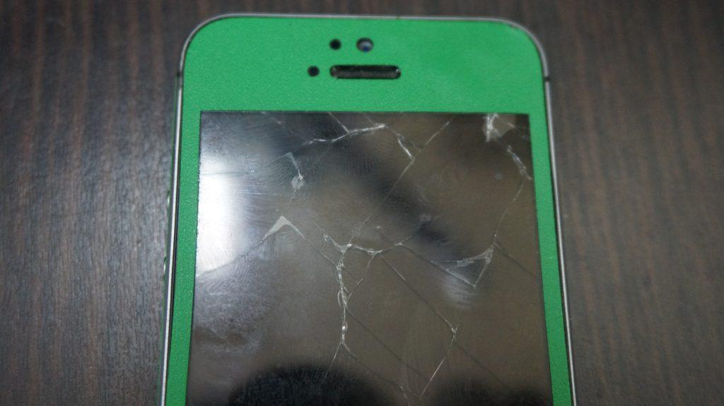 画面割れ液晶割れ iPhone5s 2