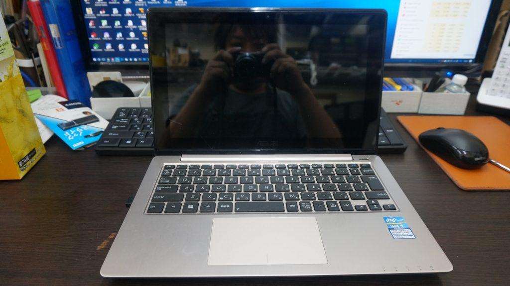 液晶割れとデジタイザ割れ修理 Lenovo X202 1