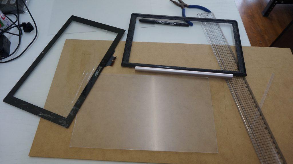 液晶割れとデジタイザ割れ修理 Lenovo X202 5