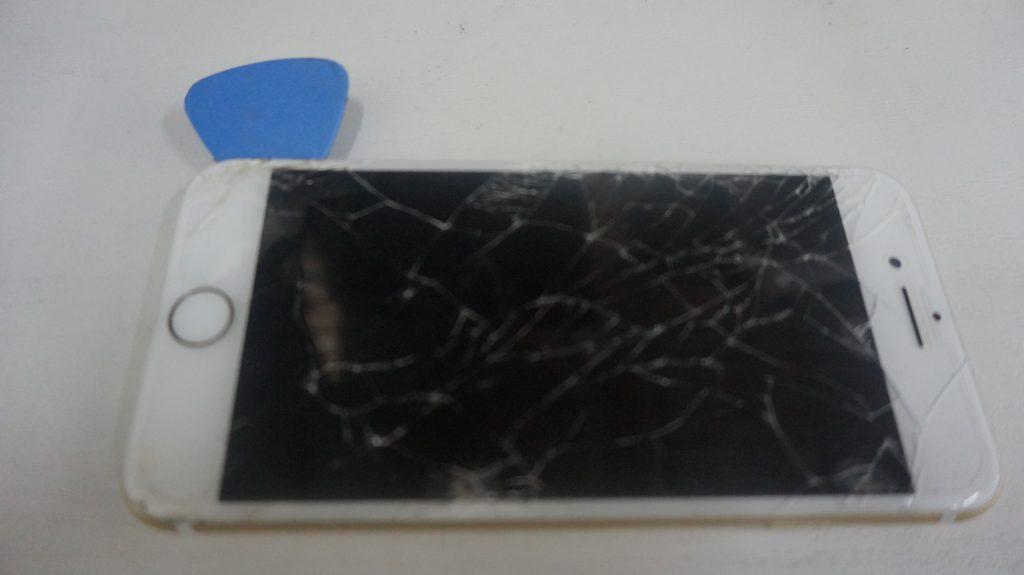 画面割れ修理が安い iPhone7 3