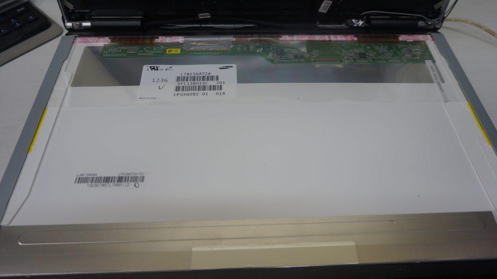 液晶交換 FUJITSU LIFEBOOK A572 3