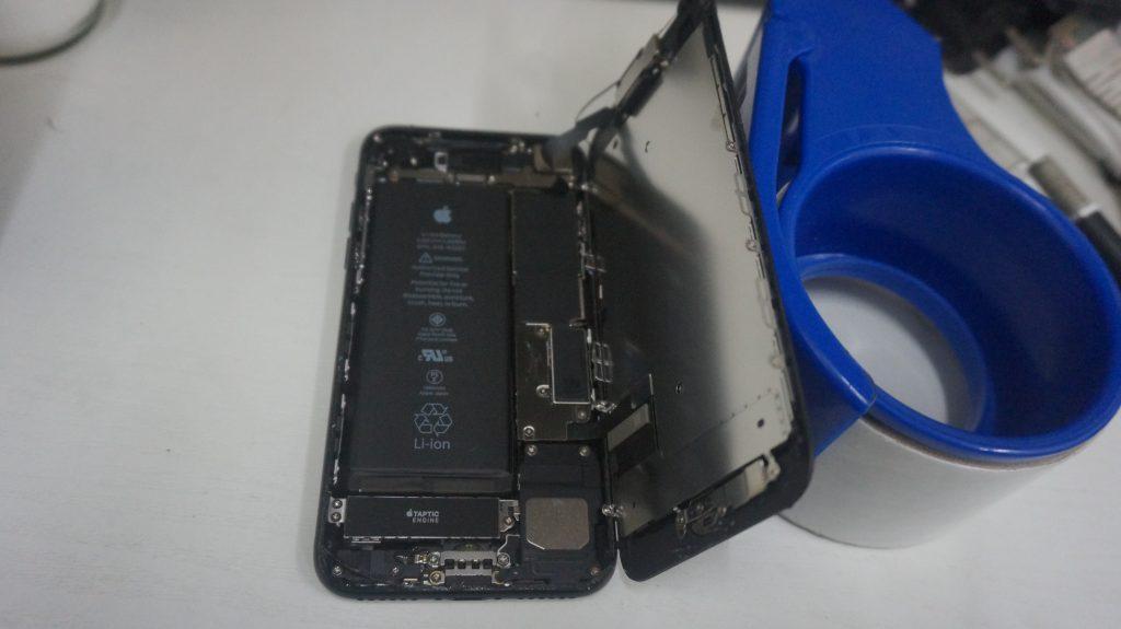 液晶パネル交換黒 iPhone7 4
