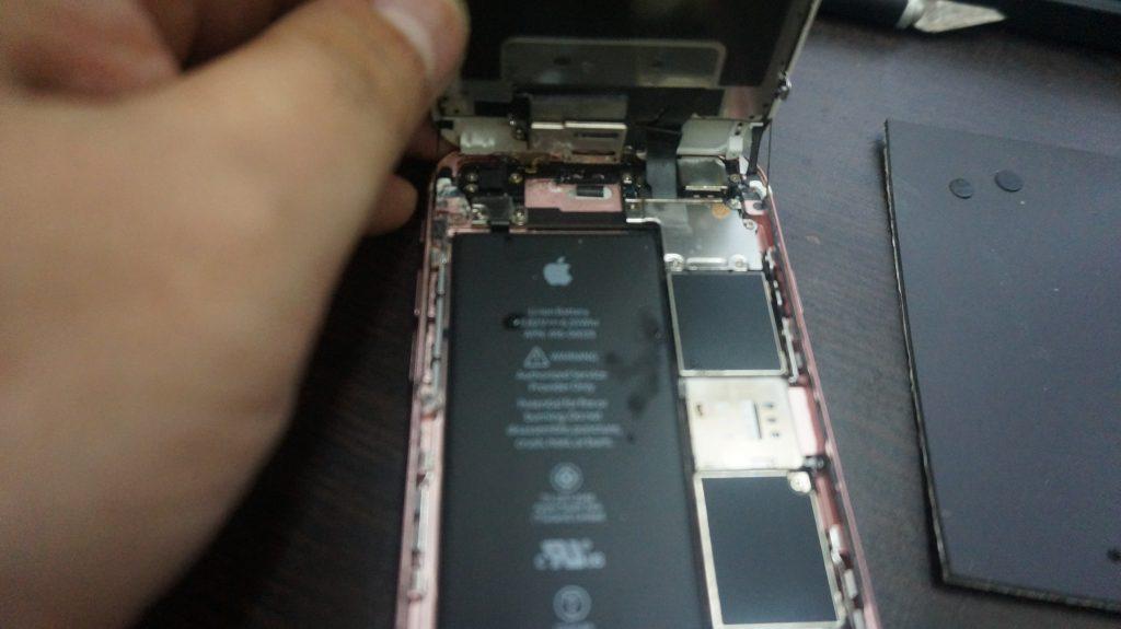 水没で液晶交換 iPhone6s 2