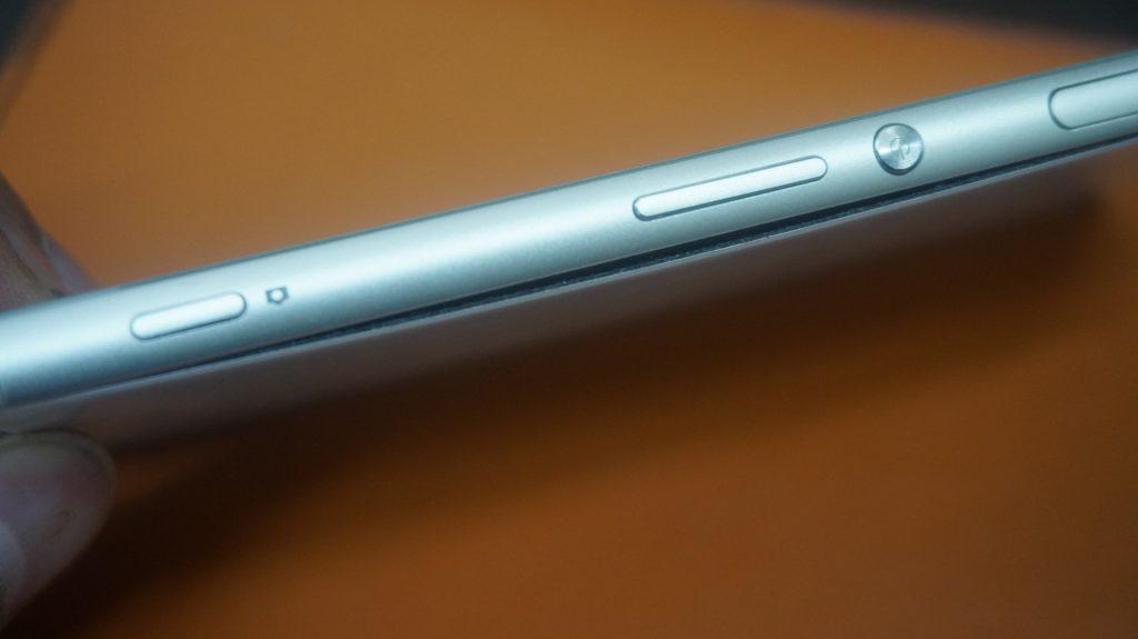 バッテリー交換 バッテリーが膨らむ Xperia Z3 2