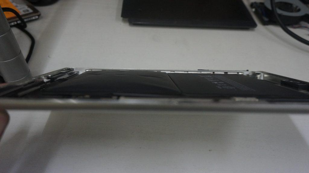 電池が膨らむ バッテリー交換 iPad Air 6