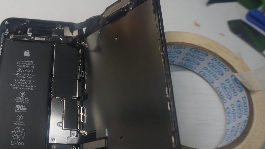 液晶縦線 液晶パネル交換 iPhone7 2