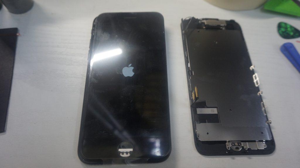 液晶縦線 液晶パネル交換 iPhone7 3