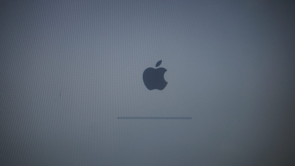 起動しなくなった SSD持参換装 Macbook A1278 2