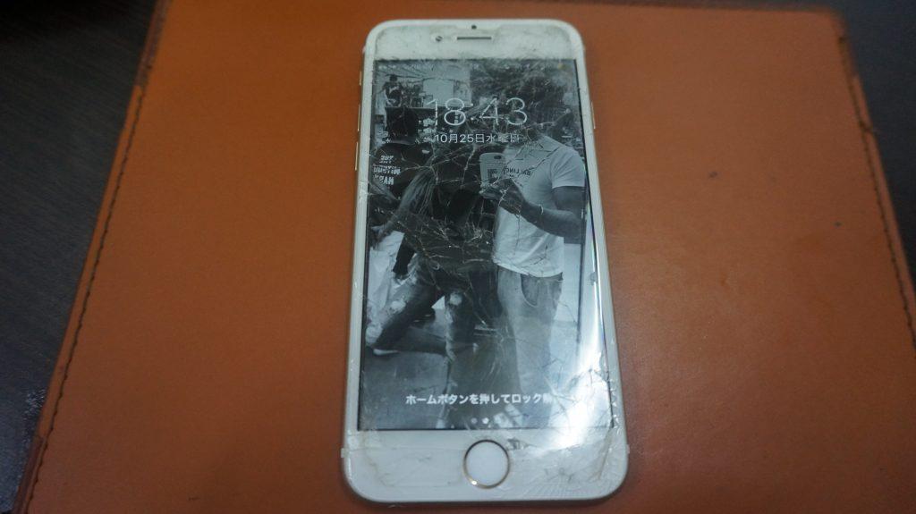 画面バリバリを交換 iPhone6s 1
