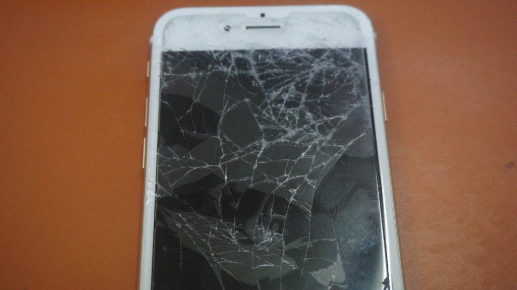 画面バリバリを交換 iPhone6s 2