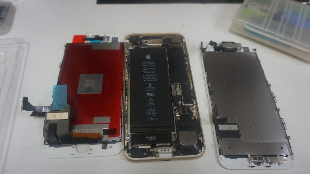 画面パネル割れ液晶交換 iPhone7 4