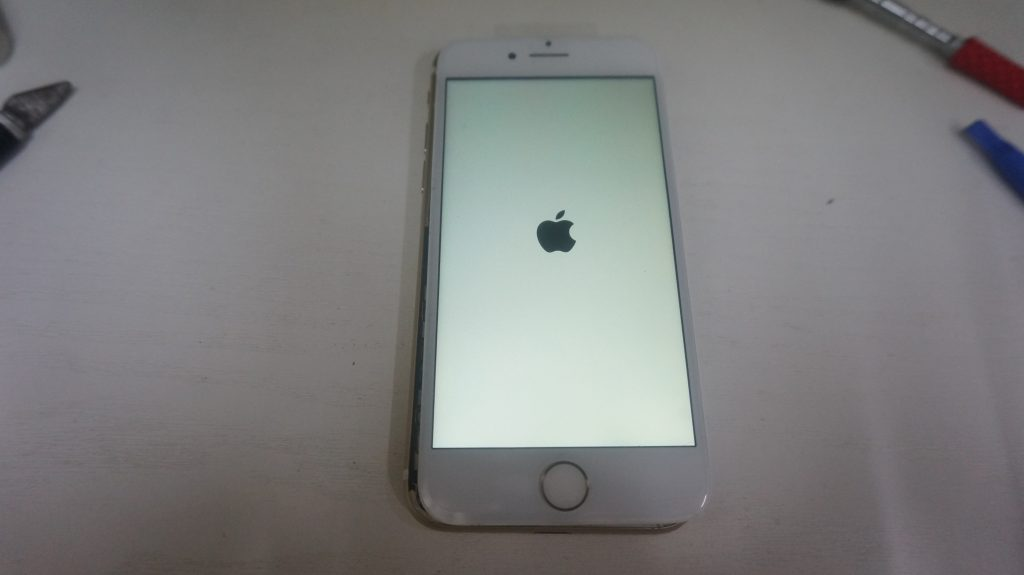 画面パネル割れ液晶交換 iPhone7 5