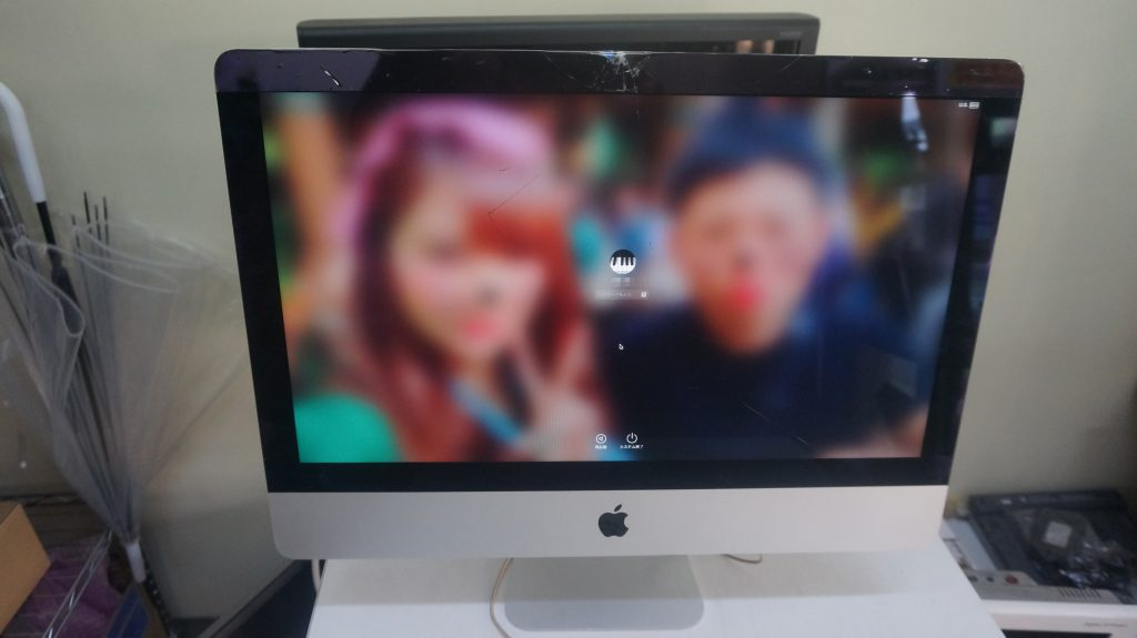 液晶割れ交換 iMac 21.5 A1418 1