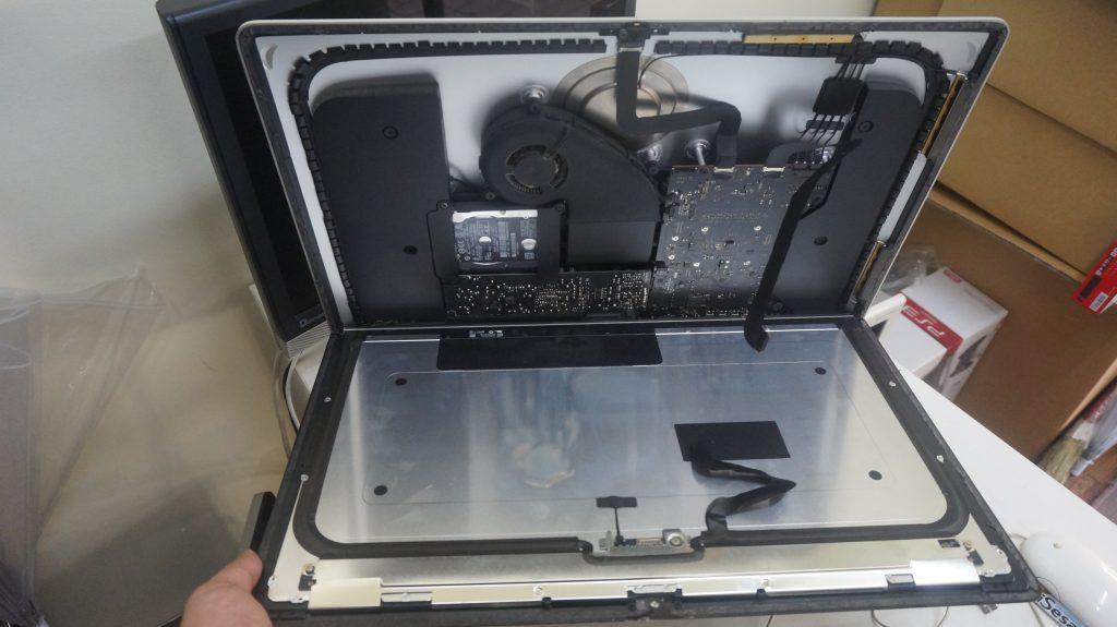 液晶割れ交換 iMac 21.5 A1418 3