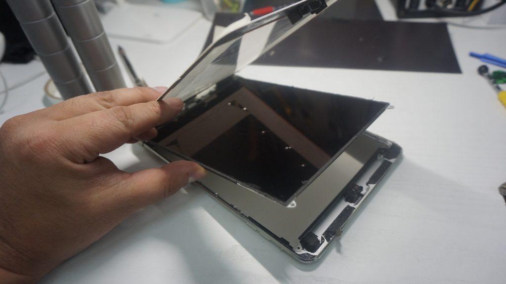 液晶とデジタイザ交換 iPad mini2 4