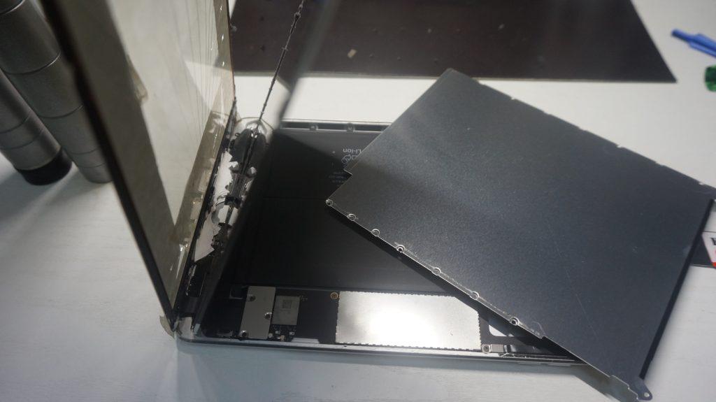 液晶とデジタイザ交換 iPad mini2 5