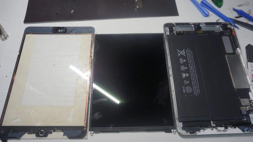 液晶とデジタイザ交換 iPad mini2 6