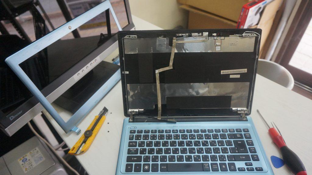画面が赤い 液晶交換 Acer Aspire V5-431-H82CB 4