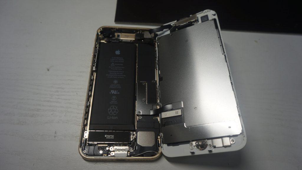 画面液晶割れにより交換 iPhone7 4