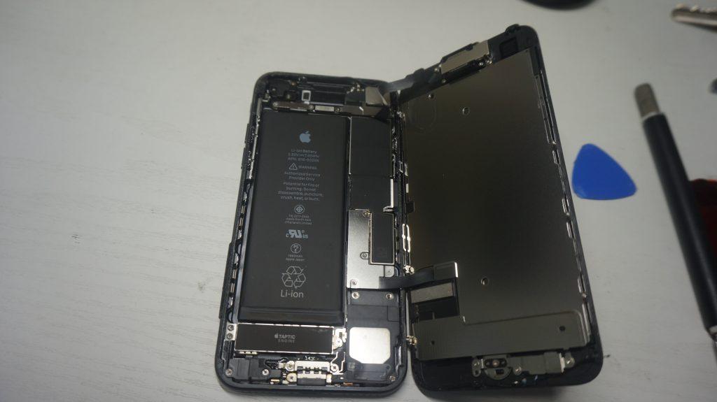 ひび割れにより液晶交換 iPhone7 4